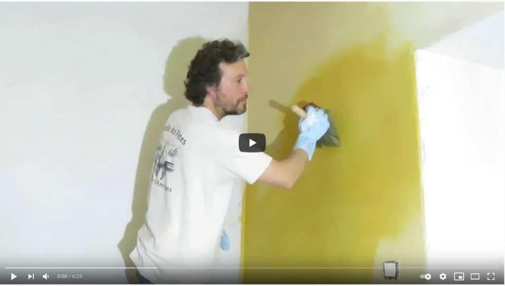 Enduit de finition et peinture naturelle « a fresco »